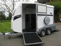 BATESON ASCOT HORSE TRAILER. CARRIES UP TO TWO 17 HAND HORSE